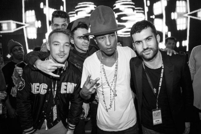 pharrell-debuts-major-lazer-collaboration-at-holy-ship-1