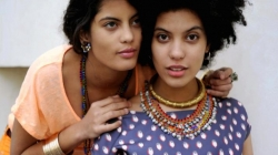 "Ibeyi reprend ""Better In Tune With The Infinite"" de Jay Electronica (Regardez)"
