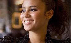 Mayra Andrade – Découvrez le clip de la chanson «Ilha de Santiago»