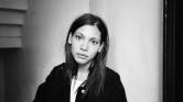 Okay Kaya – Regardez «Clenched Teeth» de l'artiste norvégienne