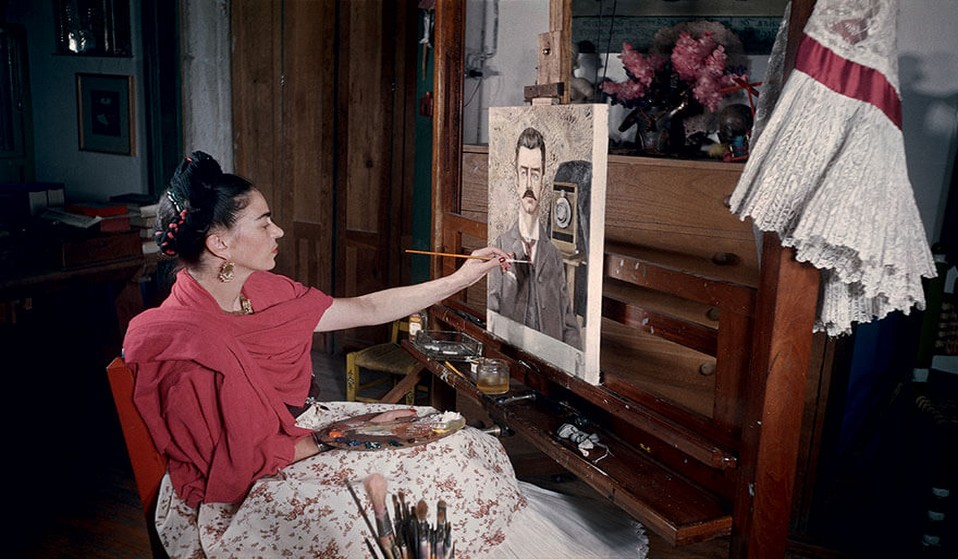 frida-kahlo-rare-photos-gisele-freund-fy-1 ILLUSTRATION SITE