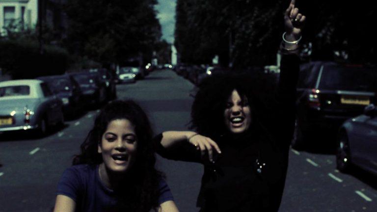 Les jumelles IBEYI dévoilent le clip vidéo de leur single «Away Away»