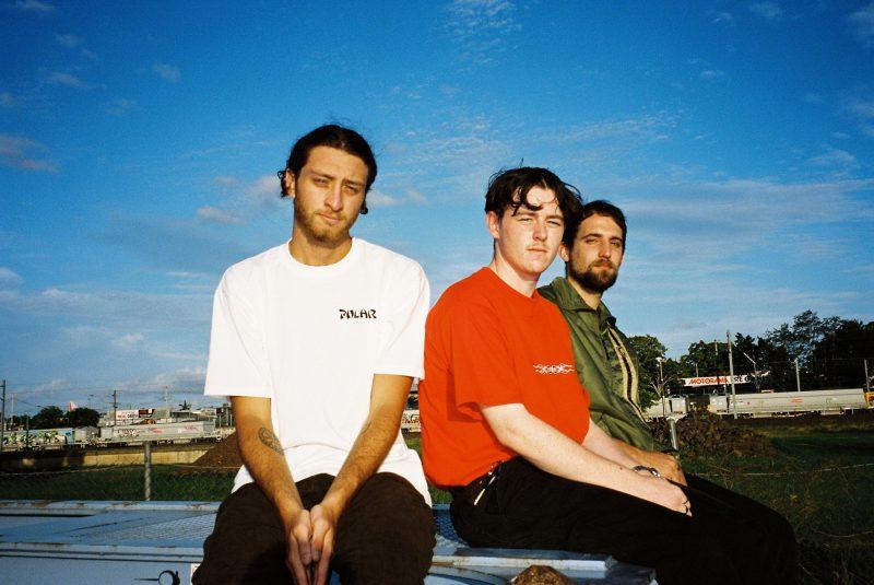 Le trio australien daste. dévoile About Us, leur nouvelle chanson