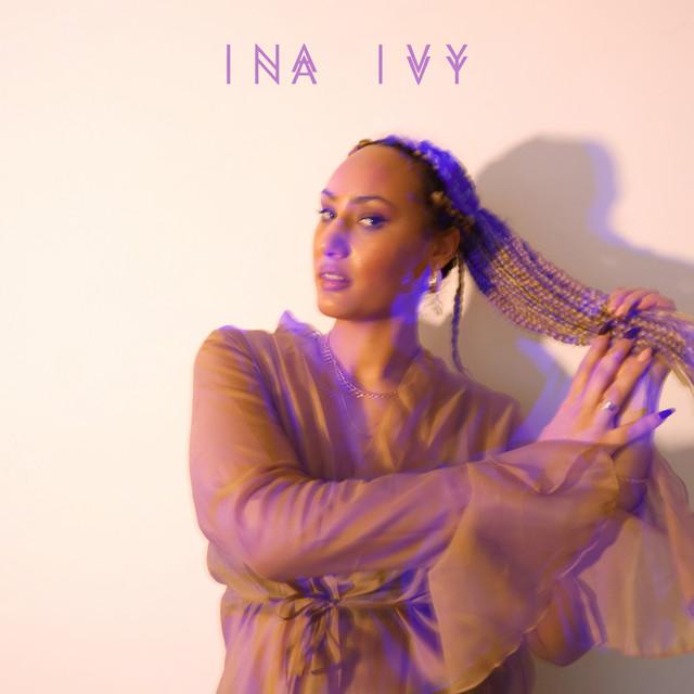 Découvrez INA IVY et son titre RnB Pop «With me»