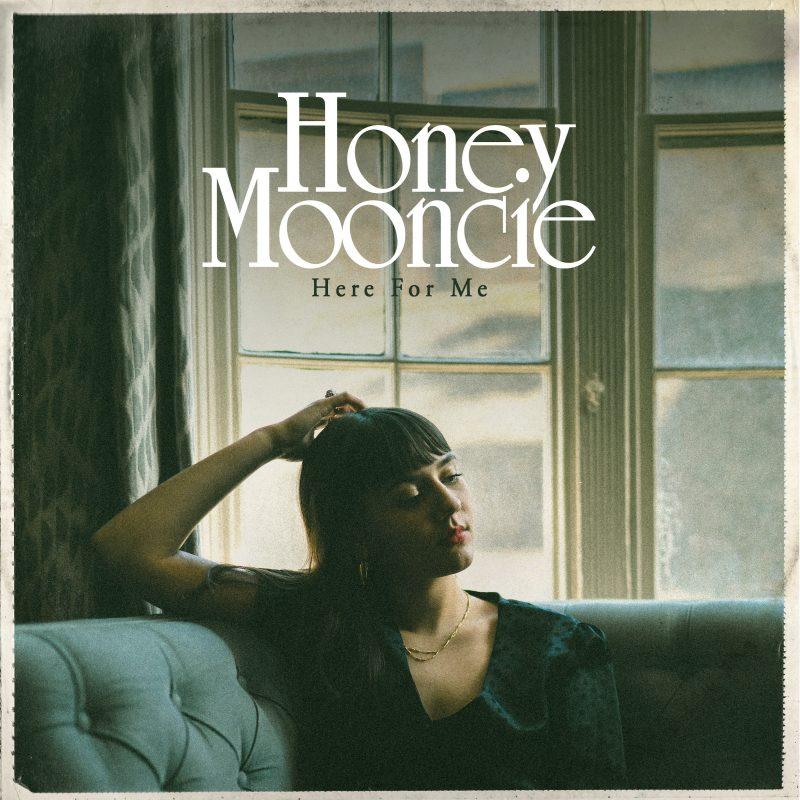 Honey Mooncie nous offre une ballade RnB sous le nom de «Here for Me»