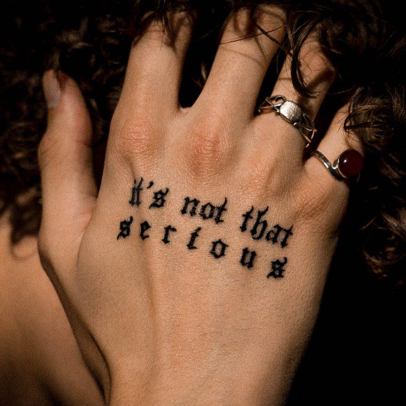 ASTN détourne la mélodie de d' Angelo sur «It's not that serious»
