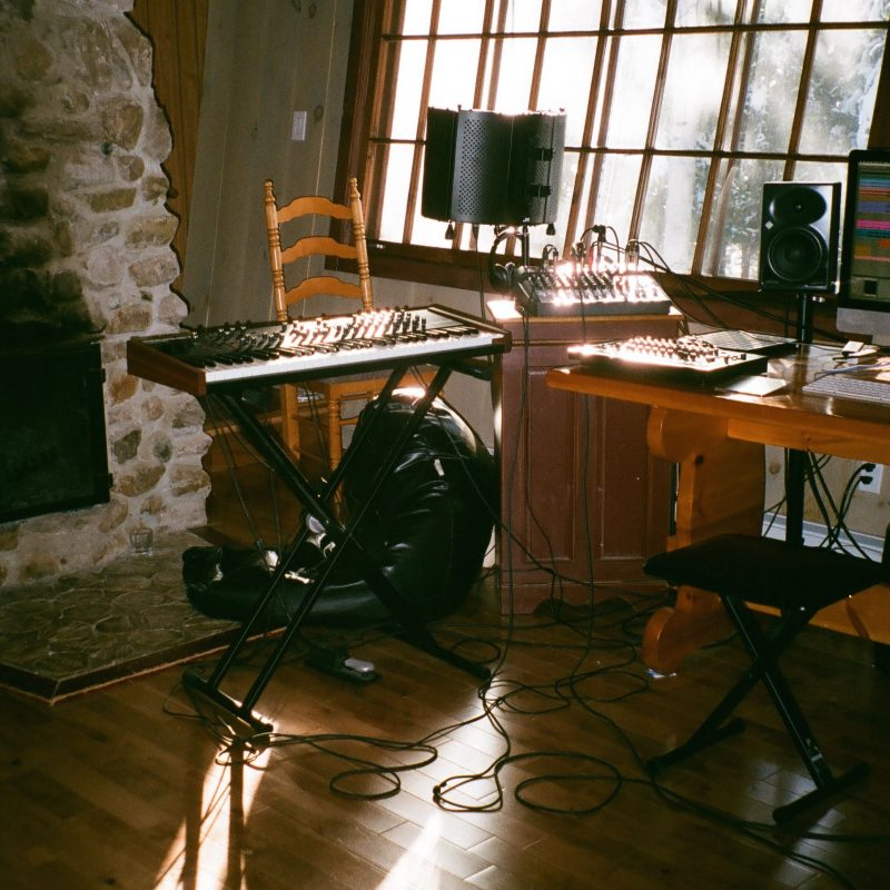 Coup de coeur Électro-pop avec Ellyn Woods et son nouveau titre «White Sails»