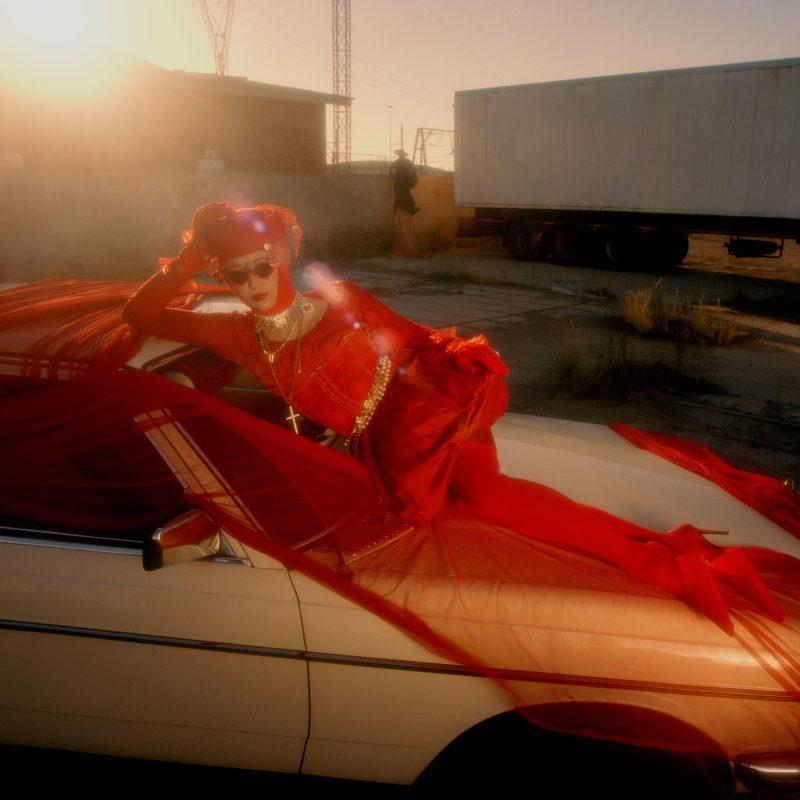Cap sur l'Afrique du Sud avec un clip vidéo très Shoegaze nommé «Red Dress» de Bye Beneco