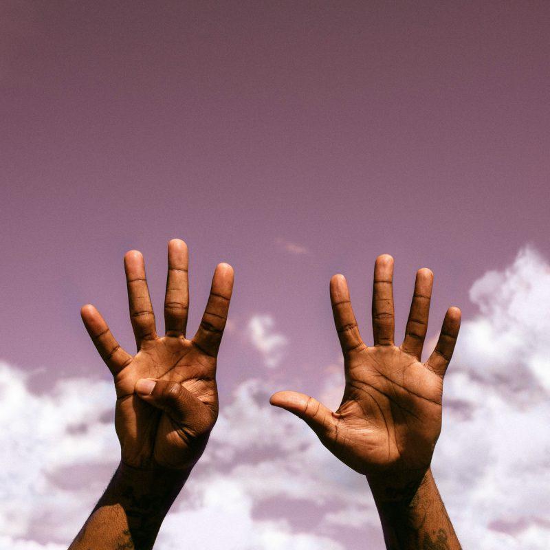 Mauvey nous présente son dernier titre Afro-Pop RnB nommée «9»