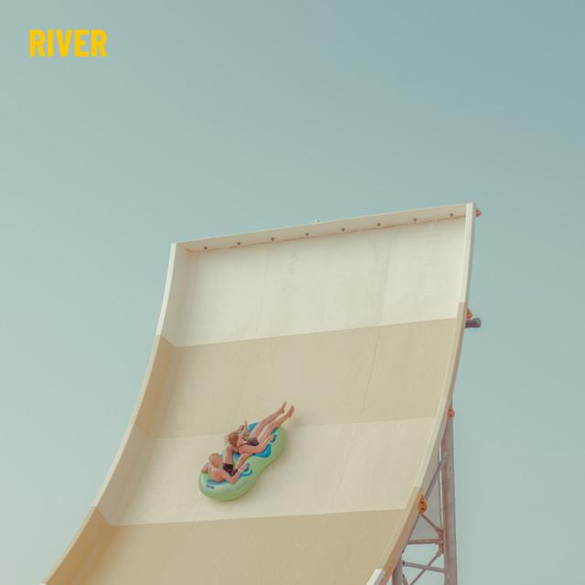 Direction Hambourg avec le clip  de River «Inappopriate»