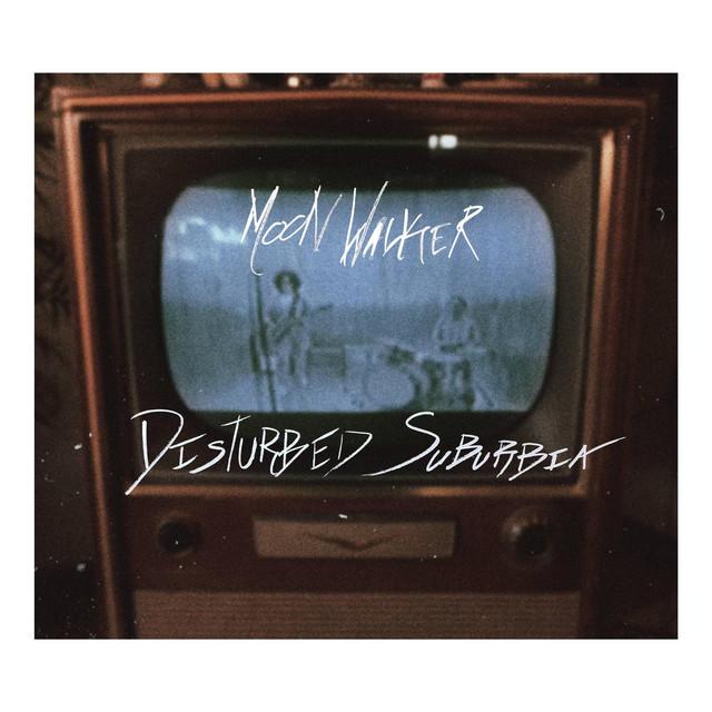Moon Walker nous fait un tour Indie Rock de la «Disturbed Suburbia»