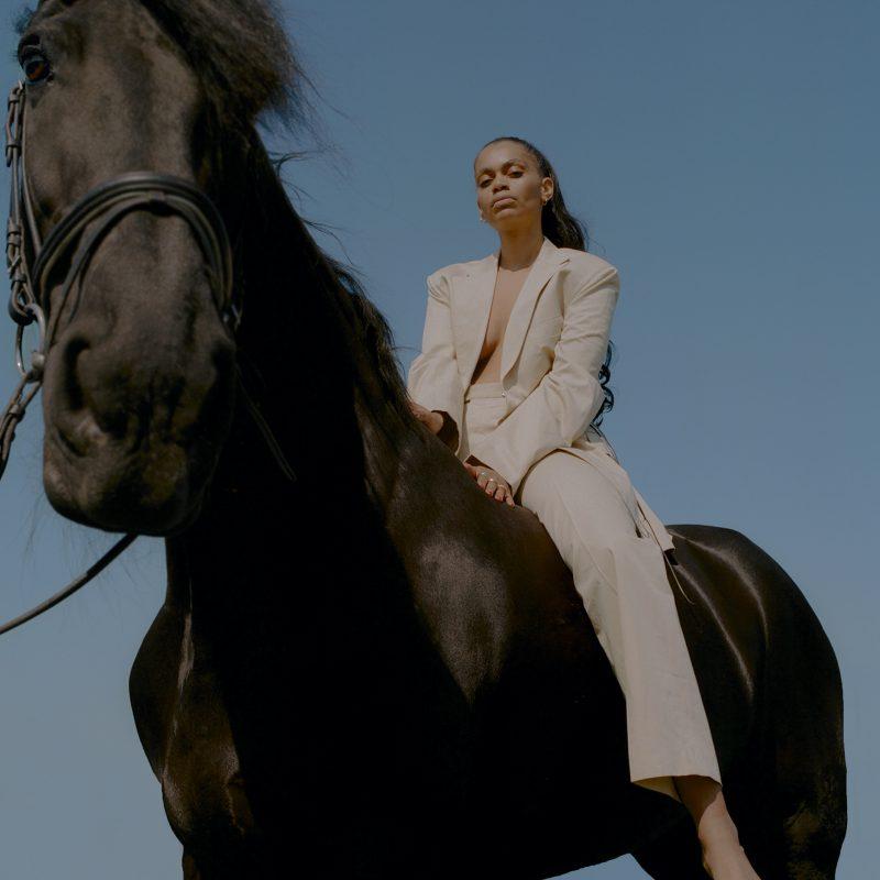 Jazzy Uptempo avec la néerlandaise Joya Mooi sur le clip «My Favourite