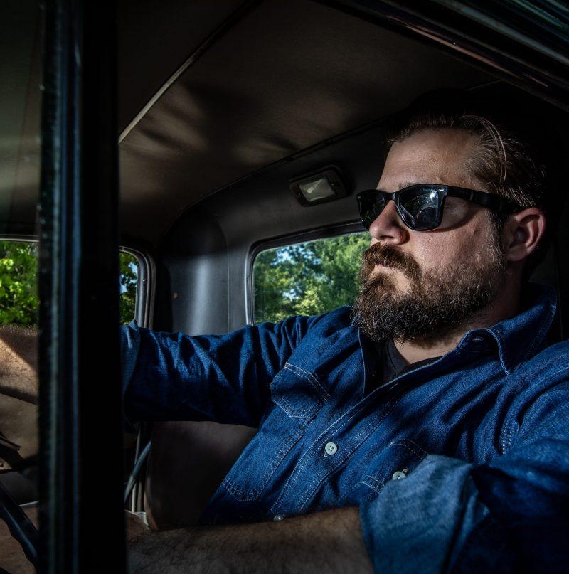 Partez à la découverte d'Eric Hagen avec le projet Crossroads Motel