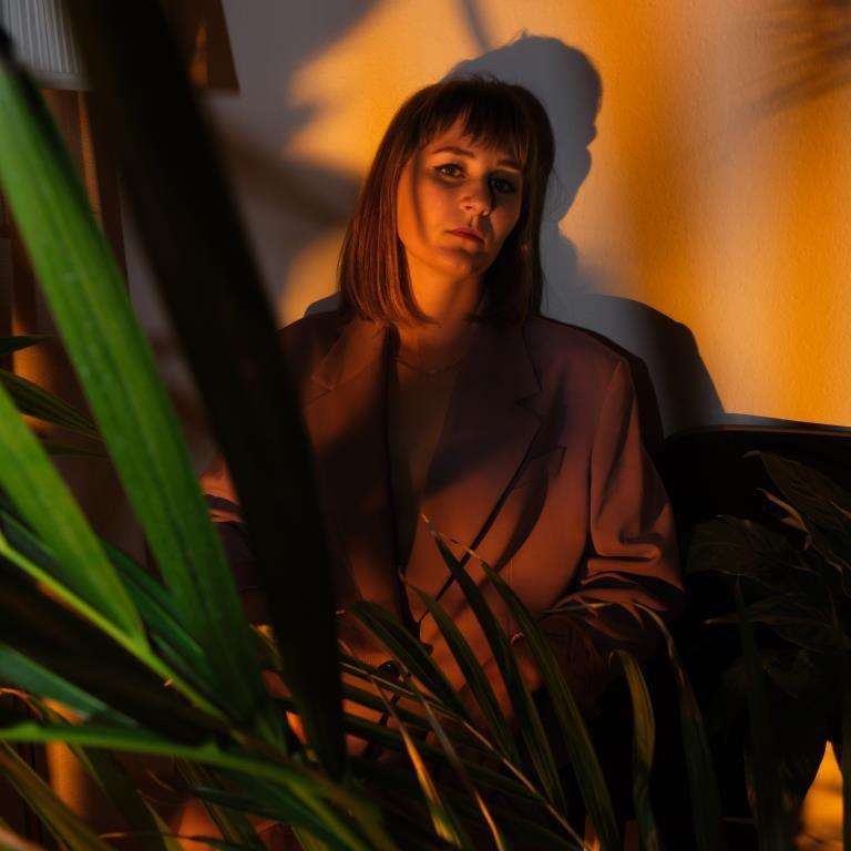 Saxo à la bouche, Yvonne Moriel présente un mélange réussi de Hip-Hop, Jazz et electronica